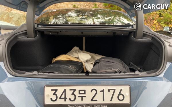 [시승기]왜 부자 아빠는 GT카를 탈까..부활한 BMW 8시리즈