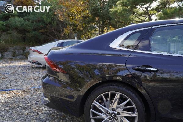 [시승기]인테리어는 BMW 안 부러워...더 뉴 그랜저