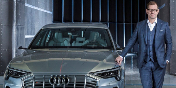 아우디 CEO가 테슬라 칭찬한 이유..`최소 2년 앞서 있다`