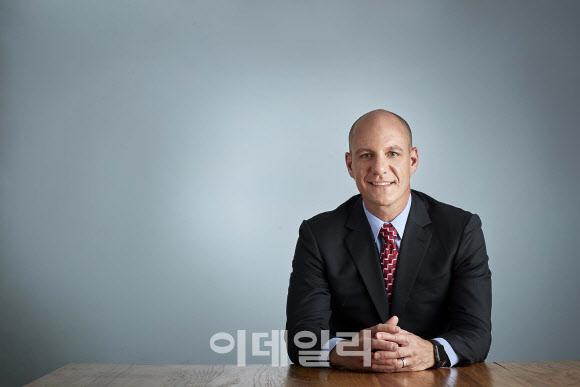 `성희롱` 의혹에 사장 낙마한 FCA코리아, 후임인사 신속 발표