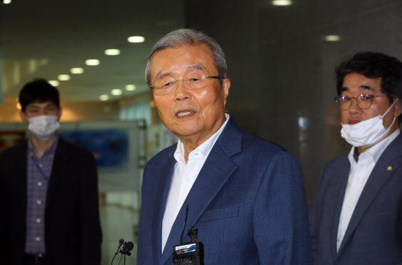 김종인, 朴·MB 탄핵·구속 사과 언급…당 쇄신 박차 가하나
