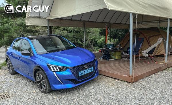 [시승기] 캠핑장비 꽉 채우고 주행거리 충분! 뭘 더 바래 푸조 e-208