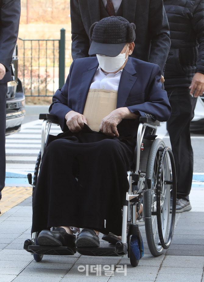 """""""거짓말하는 사람은 마귀""""…신천지 이만희, 재판 중 '버럭'"""