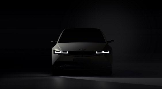 현대차 `아이오닉5` 베일 벗자 `모델Y` 맞불…글로벌 전기車 대전