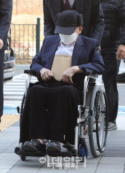 신천지 이만희 총회장 방역방해 무죄···횡령 혐의는 징역 3년 집유 4년