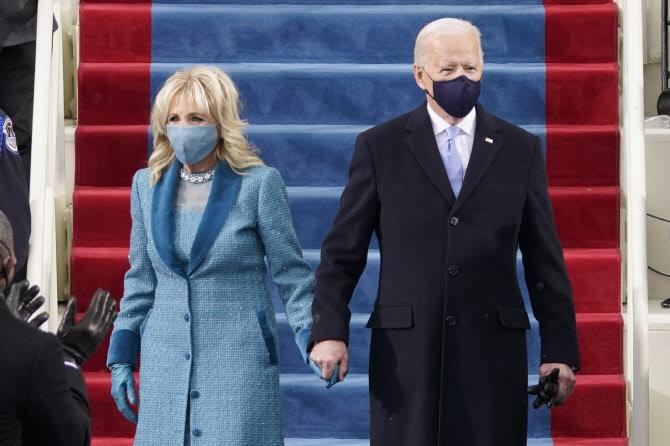 美 대통령이 타는 `캐딜락 원`…성능이 어떻길래?