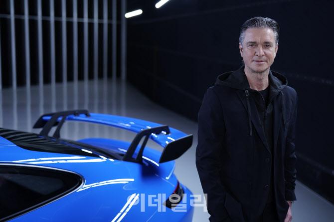 포르쉐, 고성능 전기 스포츠카사 `리막`에 7천만 유로 추가 투자