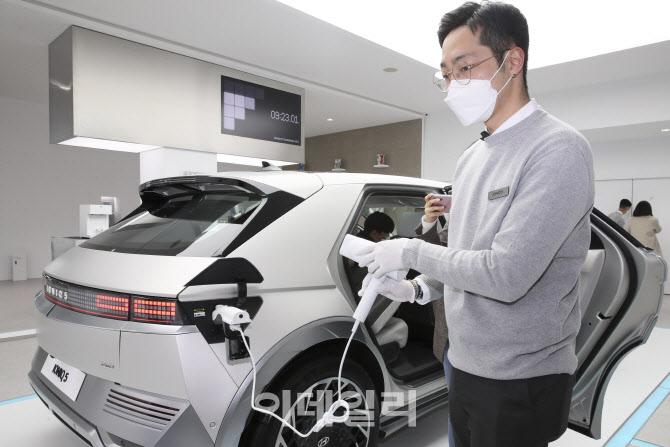 아이오닉5, 모빌리티 라이프 제품 으로 드라이기 사용