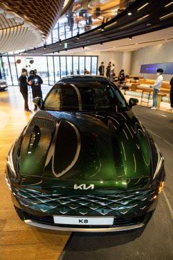 기아자동차, 준대형 세단 K8