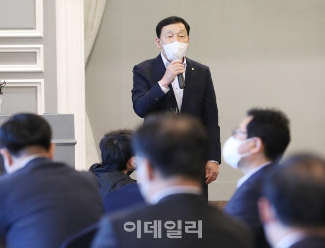 [포토]재선 의원 간담회, '발언하는 김철민 의원