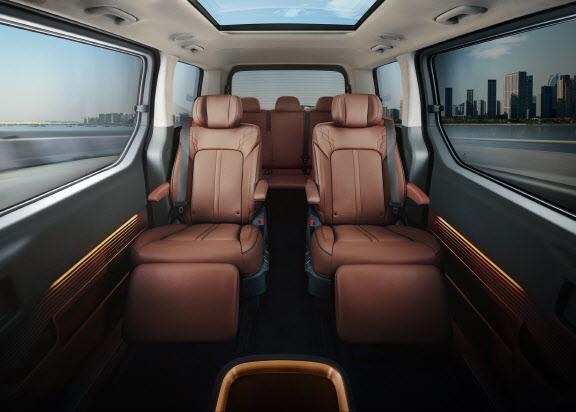 국내 미니밴 시장 경쟁 뜨겁다…키워드는 `활용성`