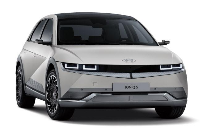 """'車반도체 대란' 현대차 """"아이오닉5 일부 옵션 제외 시 출고 빨라"""""""