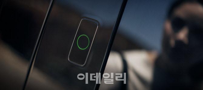 `차키 없이 운행` 제네시스 GV60, `페이스 커넥트` 적용
