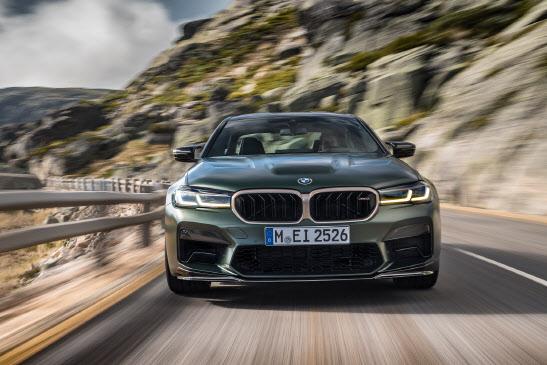 ``르·쌍·쉐`는 가볍다`‥수입차 벤츠·BMW 전성시대