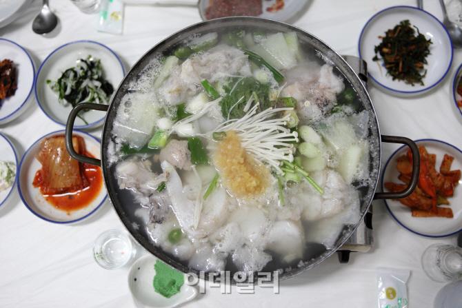 """""""뜨끈한 국물요리에 동장군도 녹네 녹아~"""""""
