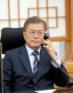 """文대통령, 故김초원씨 아버지와 통화 """"우리가 감사받을 일 아냐"""""""