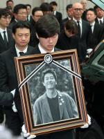 """警, """"김주혁 차량 블랙박스, 원인 규명에 도움 안 돼""""(속보)"""