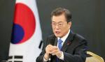 """文대통령 """"남북 관계개선, 北核 진전 있어야 가능"""""""