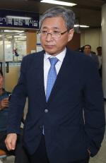 "'CJ 이미경 퇴진 협박' 조원동, 2심도 유죄…法 ""朴 위법지시 이행"""