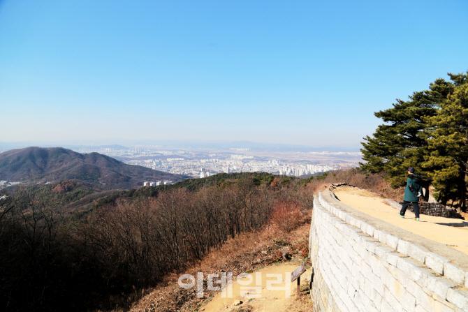 조선판 '트로이 목마' 사건, 성벽에 새겨진 역사
