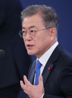 [신년회견]文대통령, 김태우·신재민 폭로 '개인일탈'로 평가