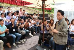 김병원 농협 회장, 청년농부 만나 '자강불식(自强不息)' 당부