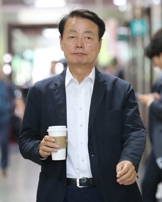 """한선교, 한국당 사무총장직 사퇴…황교안 """"후임 빨리 임명"""""""
