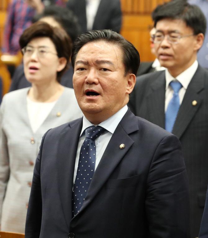 """""""北에 쌀, 조폭에 바치는 상납금""""..'조간' 던진 민경욱"""