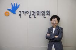 """`세계난민의 날` 최영애 인권위원장 """"건강보험, 난민에 맞게 바꿔야"""""""