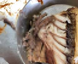 고교 급식 생선반찬에서 고래회충 나와...