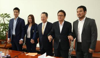 박용만 회장-스타트업 CEO 국회 방문