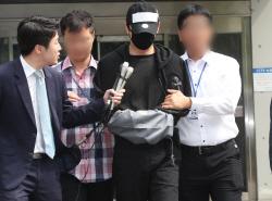 [포토] 성폭행 혐의 강지환 검찰 송치