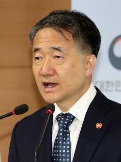 """박능후 장관 """"건강보험 국고지원 1조원 늘리기 줄다리기"""""""