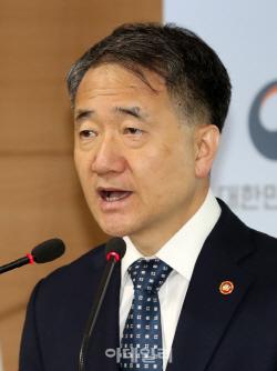 """박능후 장관 """"건보료 인상 위해 내년 국고 1조원 더 늘린다"""""""