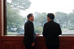 """靑 """"추경에 `국방장관 해임` 필요한지 반문"""""""