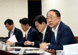 정부, '日 수출규제' 대응 R&D 예타 면제…주52시간제 완화
