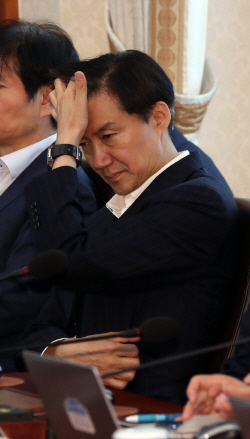 """조국 """"韓 대통령 법률보좌 민정수석으로서...''이런 사람''은 친일파"""""""