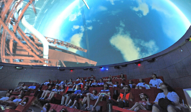 8월의 밤, 경기북부 천문대에서 별 빛 속 낭만을 꿈꾸다