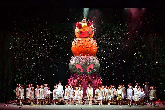 헨젤과 그레텔 오페라 무대에 대한 이미지 검색결과