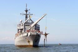 해군은 왜 퇴역한 美 구조함 인수해 '평택함'으로 재활용했을까