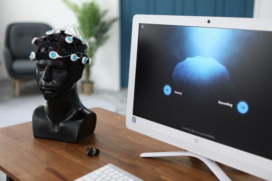네오펙트 관계사, 국내 뇌파진단시스템 시장 진출