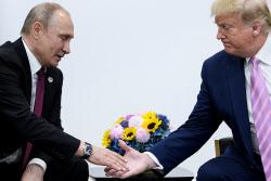 """""""유가 너무 낮다"""" 불만 나타낸 트럼프, 푸틴과 전화통화"""