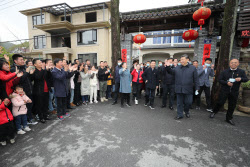 中시진핑, 이틀째 저장성 시찰…야외선 마스크 벗고 자신감