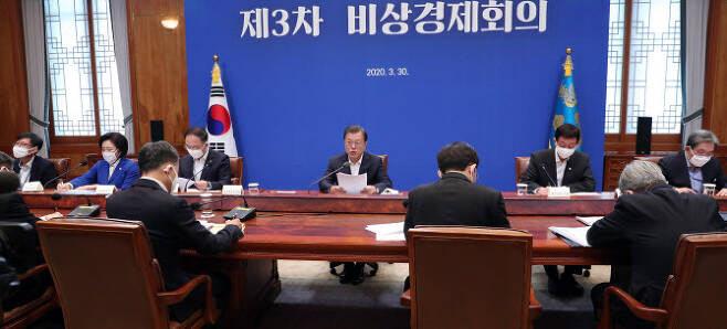 공무원·군인연금 부채 1000조 육박…총선 뒤 개혁 불가피
