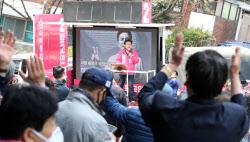 [포토]창신동 차량선거 유세하는 황교안 미래통합당 후보