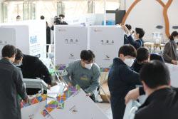 '청년·샤이보수' 여야, 사전투표 총력전…총선 유불리 예의주시