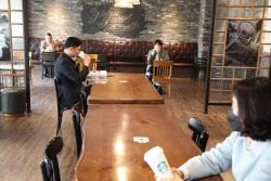 [中企 한 주간 이모저모]스타벅스 안에 '창업카페'