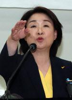 """심상정 """"교섭단체 목표 못 이뤄"""" 대표직 조기 사퇴"""