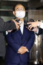 """오거돈 """"부산 시민·피해자께 죄송…추가 성추행은 없어"""""""