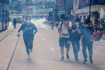 [뉴스새벽배송]홍콩서 다시 일어난 시위…아르헨티나 9번째 디폴트